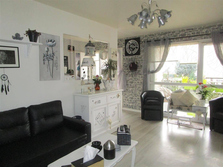 bel appartement t3 avec d co soign e situ au havre grand hameau 76620 cabinet marie. Black Bedroom Furniture Sets. Home Design Ideas
