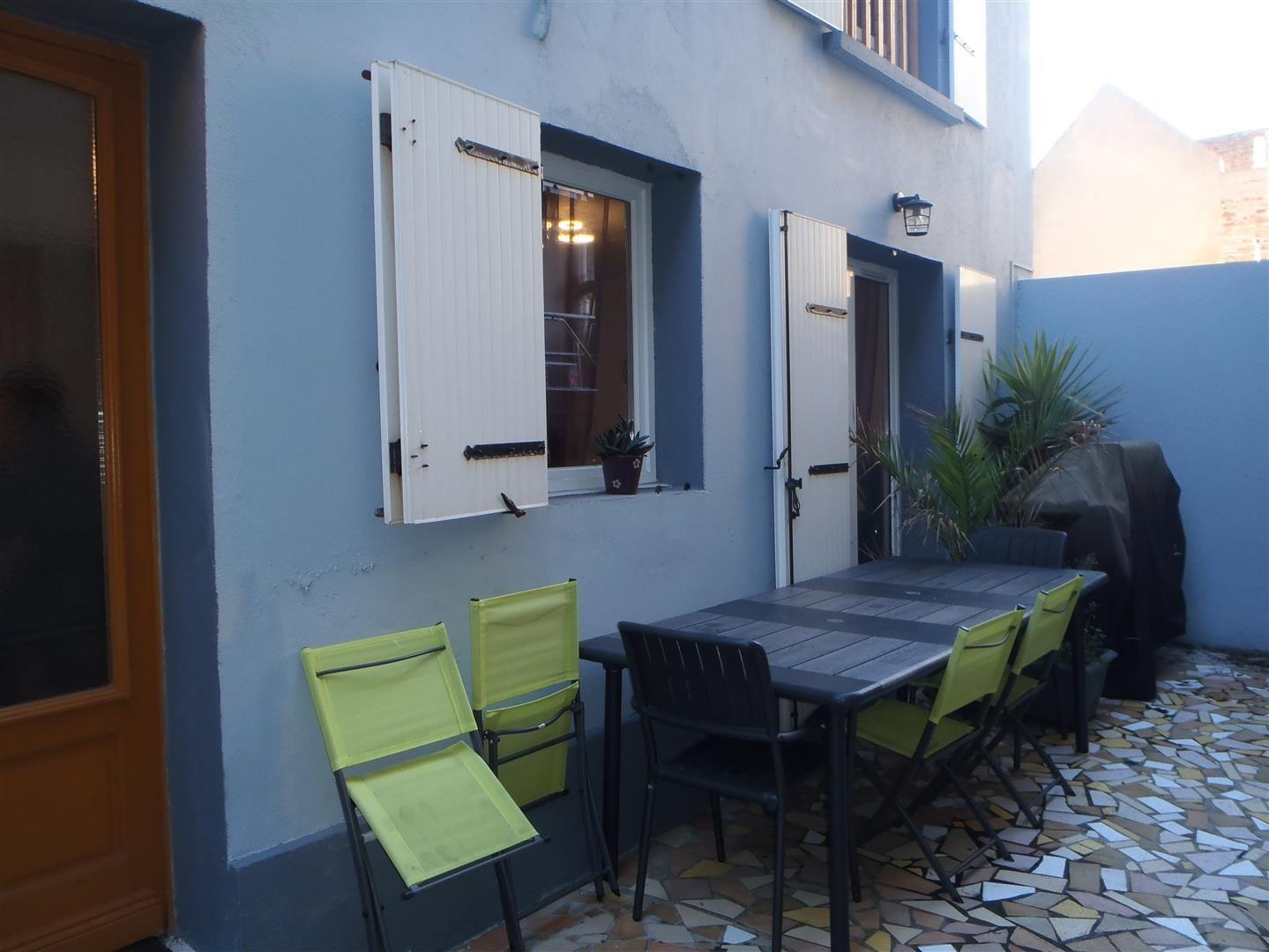 ventes vendre maison de ville avec terrasse t4 f4 au havre 76600 secteur saint nicolas. Black Bedroom Furniture Sets. Home Design Ideas