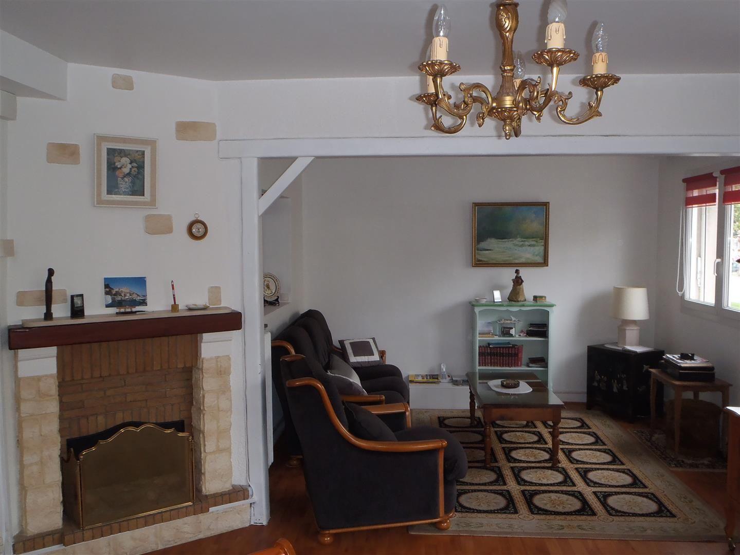vendre appartement avec loggia t3 situ en centre ville 76600 proche plage cabinet marie. Black Bedroom Furniture Sets. Home Design Ideas
